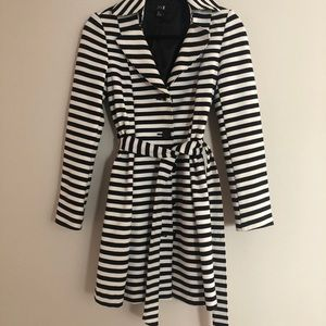 EUC Forever21 b/w stripe belted trench coat sz S